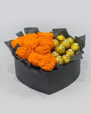 Slatki aranžman od 9 ruža sa čokoladicama